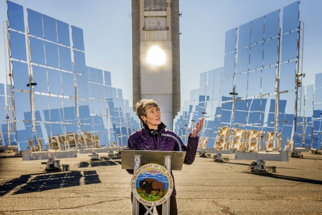 U.S. Secretary of the Interior Sally Jewell announces the approval of the SunZia Southwest Transmission Project at Sandia's National Solar Thermal Test Facility (NSTTF) Saturday, Jan. 24. (Credit: Flickr/Sandia Labs) Click to Enlarge.