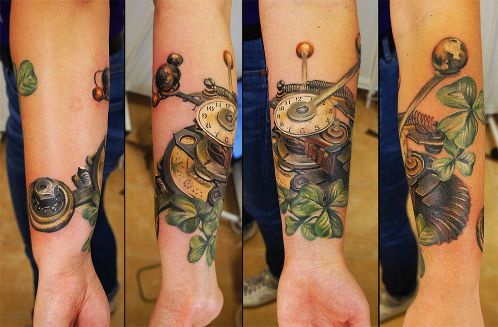 Amazing Wrist Steampunk Tattoos