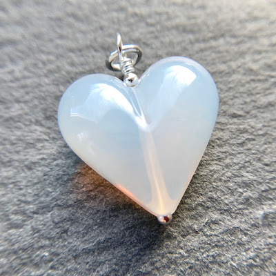 Handmade lampwork glass heart bead pendant by Laura Sparling made with CiM London Fog