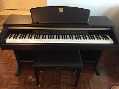 Đàn piano điện Yamaha CLP-130 Nhật Cũ Giá Rẻ