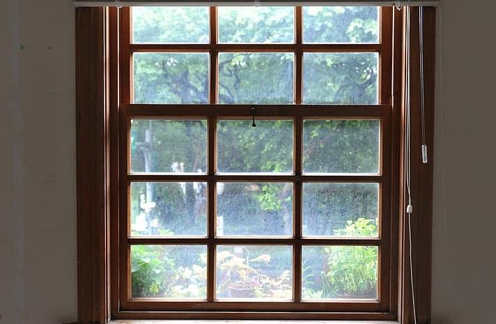 kaca jendela pemuaian