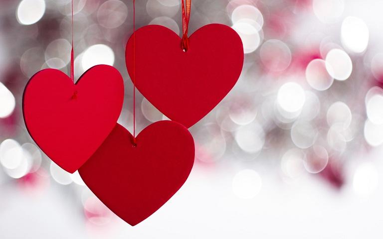 Pasangan Bahagia Tidak Suka Pamer Kemesraan di Media Sosial
