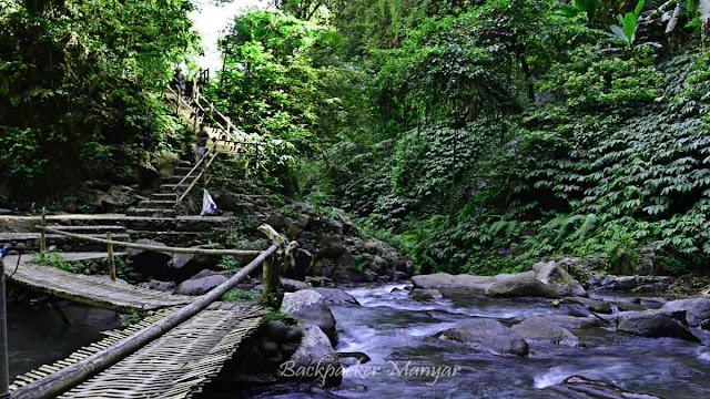 Menuju Air Terjun Nungnung Bali