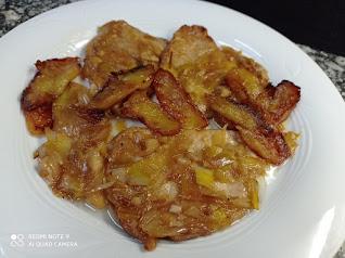 Lomo con puerros y manzana caramelizada