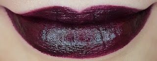 Avon mark. Epic Lip Lipstick in Temptress