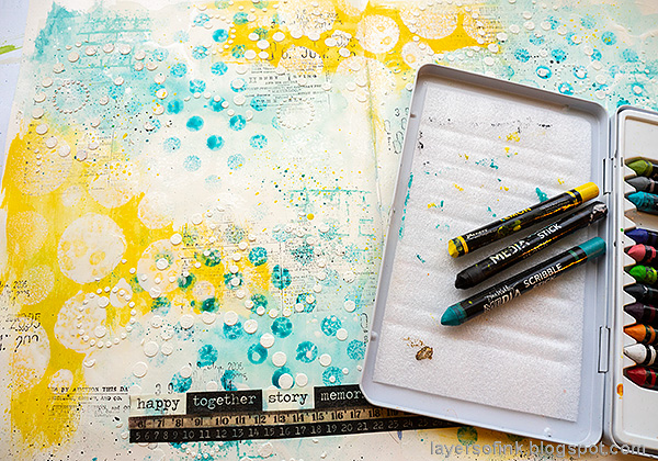 Layers of ink - Mixed Media Art Journaling Tutorial by Anna-Karin Evaldsson. Splatter color.