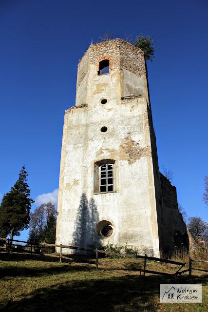 Ruiny wieży w Pobiednej