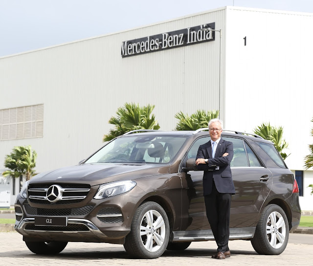 Mr Roland Folger, MD and CEO, Mercedes-Benz India with the Mercedes-Benz GLE 400 4MATIC