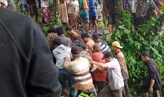 Satu Warga Tewas Tertimbun Longsor di Sungai Lasi Solok