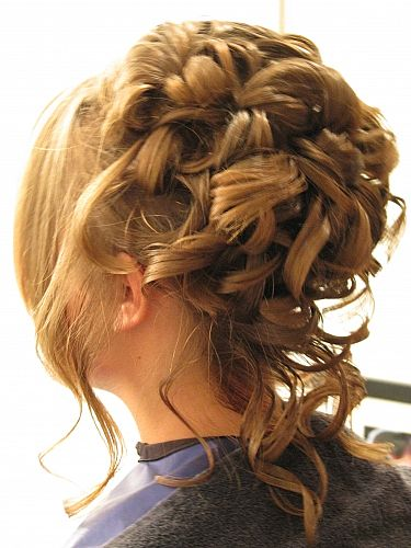 Denan oyi Short updo  hairstyles  for prom