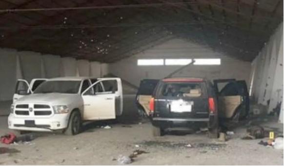 Los Sicarios se llevaron los cuerpos en las camionetas; es oficiales 15 muertos, una docena de heridos y 5 detenidos