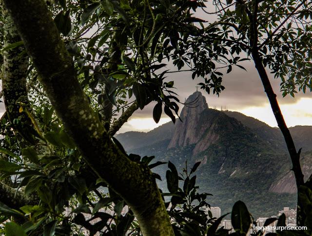 O Corcovado e o Cristo vistos do alto do Morro da Urca