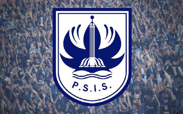 """pendukung dari PSIS """"Panser biru"""" dan logo PSIS Semarang"""