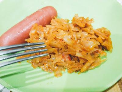 тушеная капуста с кетчупом