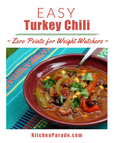 Easy Turkey Chili ♥ KitchenParade.com, zero points for Weight Watchers, extra-easy with frozen vegetables and canned beans.
