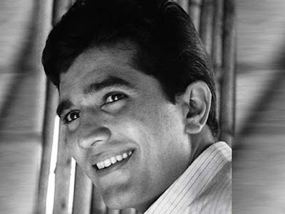 bollywood-ke-kisse-when-rajesh-khanna-ran-away-from-regal-cinema-crezy-love-from-fans