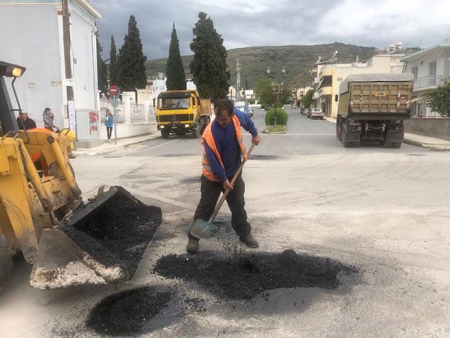 Ξεκίνησαν οι εργασίες για την επούλωση των λάκκων στους δρόμους του Δήμου Άργους Μυκηνών