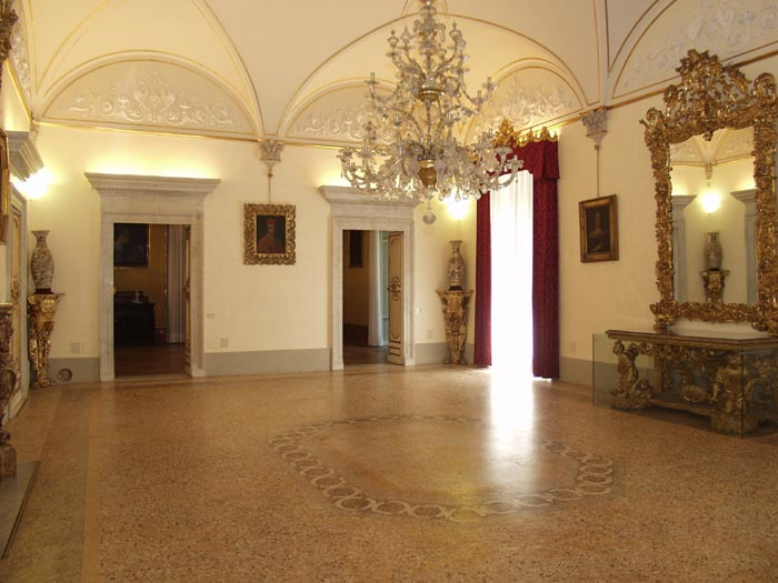 Palazzo Pandolfini Firenze salone rosso
