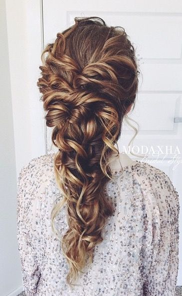Inspirações de penteados para festas by Pinterest