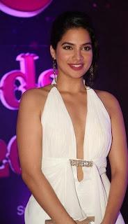 Actress Tanya Choudhary Stills in White Dress at Apsara Awards 2016 0003.jpg