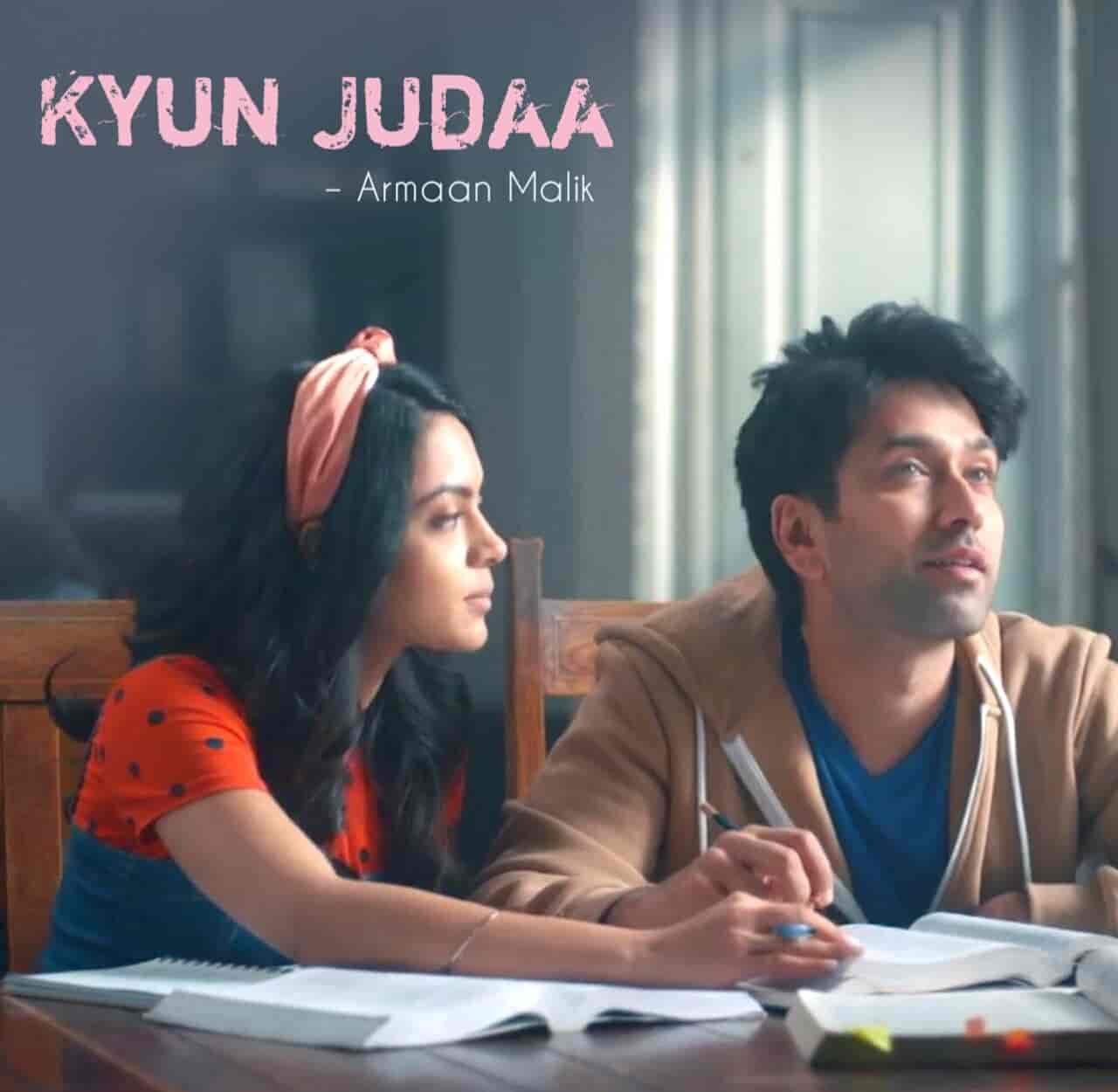 Kyun Judaa Lyrics :-  Armaan Malik given his voice in the beautiful romantic song 'Kyun Judaa' from album Never Kiss Your Best Friend. Nakuul Mehta and Anya Singh are featuring in this song as a lead roles. Music of this song given and Kyun Judaa Lyrics are penned by Yash Narvekar himself. This song is presented by Zee5 label.