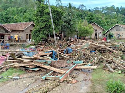 Banjir Pekon Umbar Kelumbayan Tanggamus Menyisakan Kisah Duka