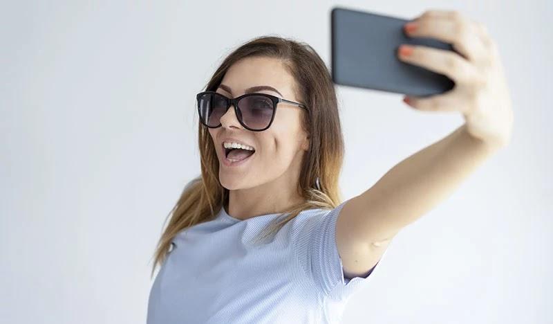 Ini Dia Smartphone Android Kamera Selfie Terbaik!