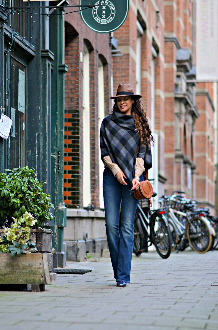 Tamara Chloé, Chloé bag Mini Marcie tan, Plaid cape, Brown Panama hat, Flared jeans, Luxury For Princess, Curly hair, TC Style Clues
