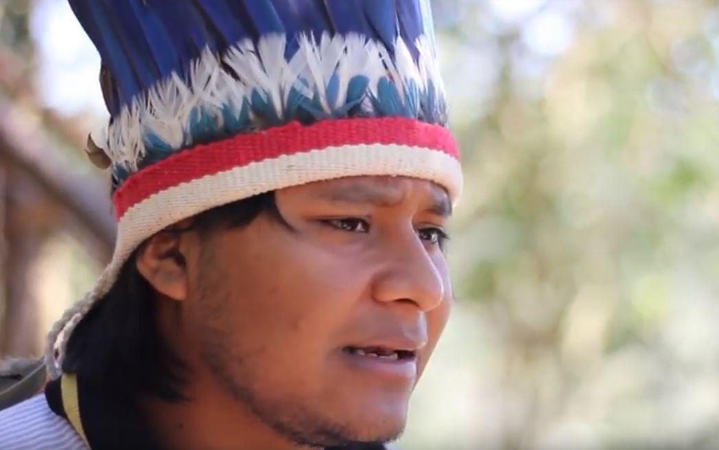 "Cena de ""Atrás da pedra: resistência tekoa guarani"""