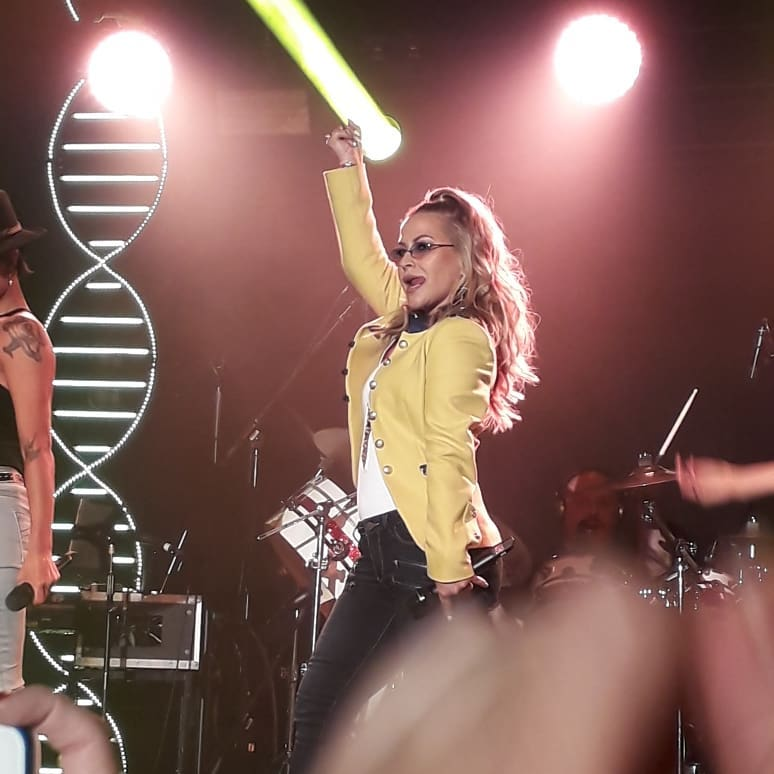 """Anastacia >> álbum """"Evolution"""" - Página 10 35414351_173611260002924_4525574389453815808_n"""