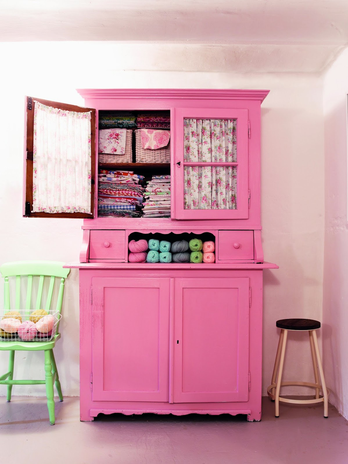 15 Creative DIY Pink Home Decor Projects