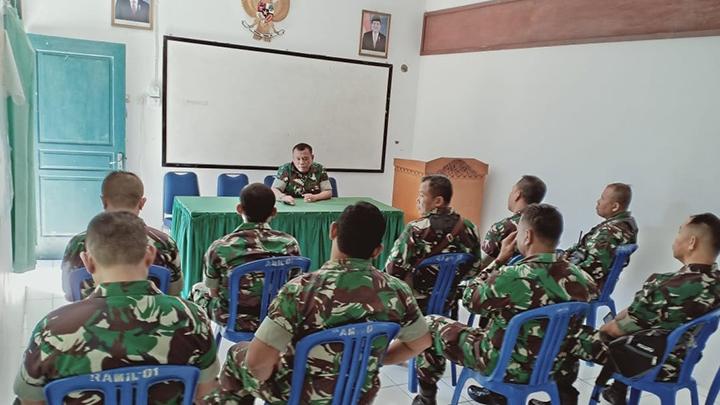 Tingkatkan Kinerja Anggotanya, Danramil Berikan Jam Komandan