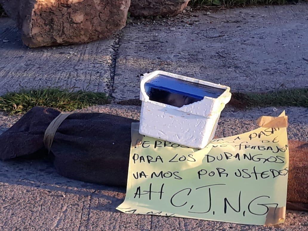 """""""Vamos por ustedes, Sicarios del CJNG dejan cuerpo encobijado y cabeza cercenada junto a Narcomensaje en León, Guanajuato"""