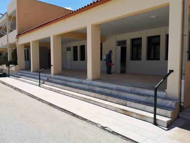 Μικροβιοκτονία στο Λύκειο του Λυγουριού μετά τα θετικό κρούσμα σε μαθητή