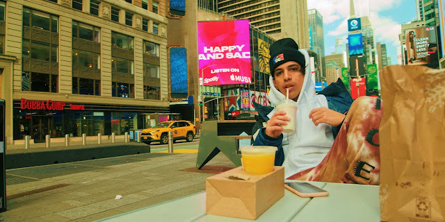 """Chris Tamayo llega al Times Square con su nuevo álbum """"Happy and Sad"""""""
