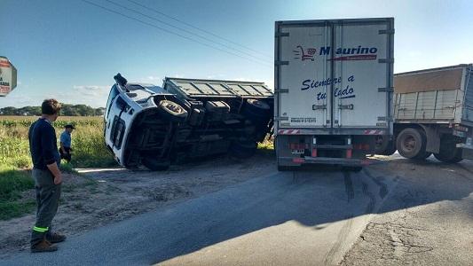 Camión se Supermercado local chocó en cercanías de Chazón