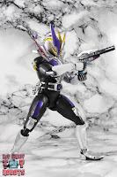 S.H. Figuarts Shinkocchou Seihou Kamen Rider Den-O Sword & Gun Form 71
