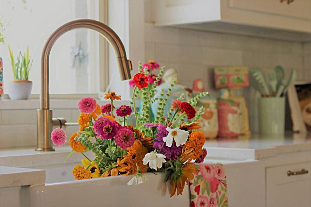flower-farm-grow-tips-seeds-gardening-athomewithjemma