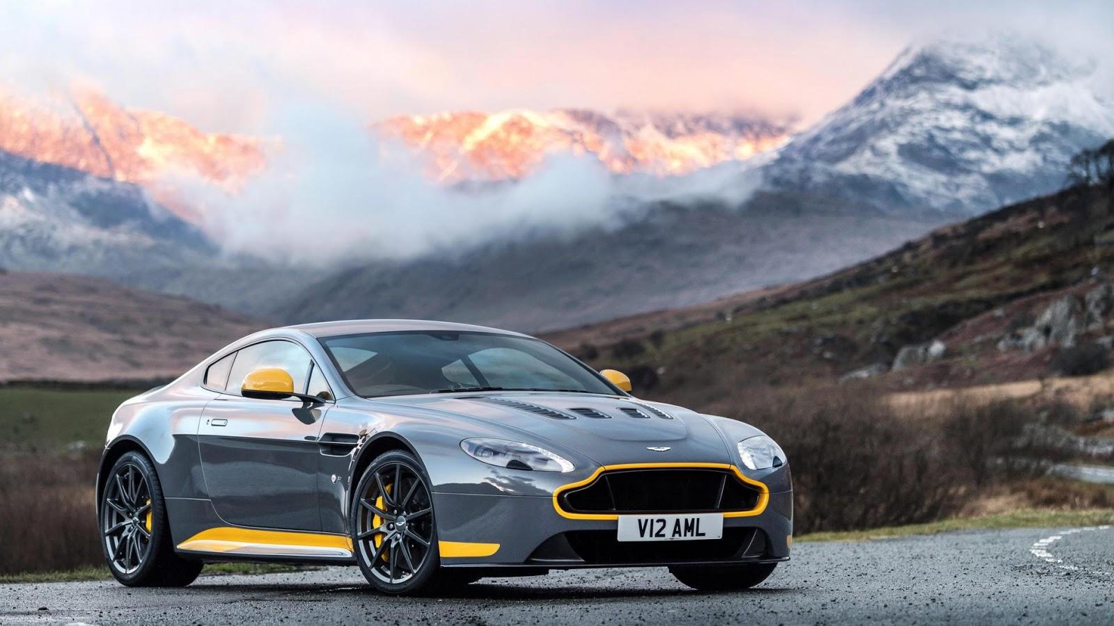 Aston Martin V12 Vantage S là một siêu xe hiện đang sử dụng số sàn