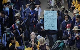 Innalillahi! Wakil BEM UNIDAYAN Baubau Diduga Tertembak dalam Aksi Demo Tolak Omnibus Law