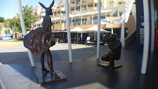 Gillie and Marc. 'Happy Birthday Mr President XO' - 2014. Bronze sculpture outside the Media School, Salamanca Square.