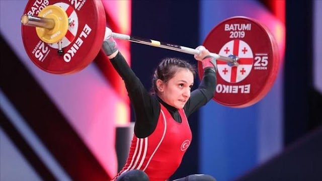 Halterde Dünya Şampiyonu Bir Türk Kadın: Şaziye ERDOĞAN