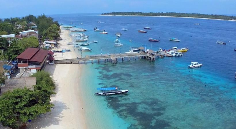 tempat wisata honeymoon terindah di lombok nurul sufitri social media mom blogger writer traveloka traveling gili trawangan