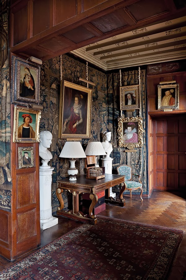 British Country Homes: Mix And Chic: Book Review- The English Country House