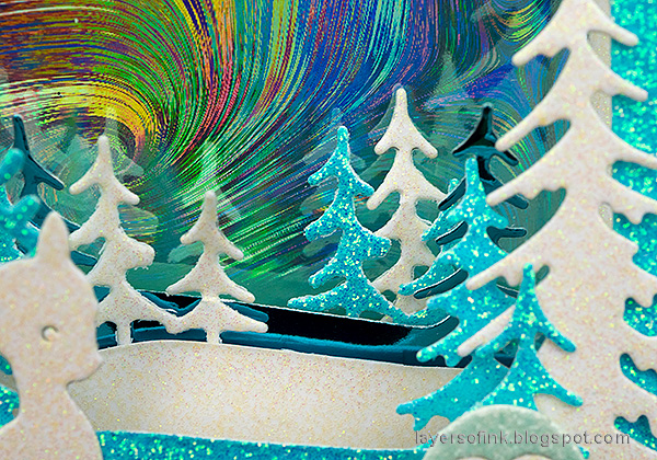 Layers of ink - Scenic Winter Ornaments Tutorial by Anna-Karin Evaldsson. Glittery forest.