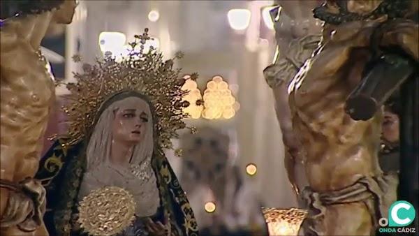 Vídeo del Santísimo Cristo del Perdón por la Plaza del Palillero Semana Santa de Cádiz 2019