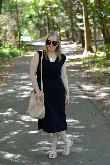 black-dress-blush-accessories