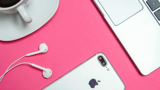 Top 10 Must Have MacBook Accessories & Gadgets
