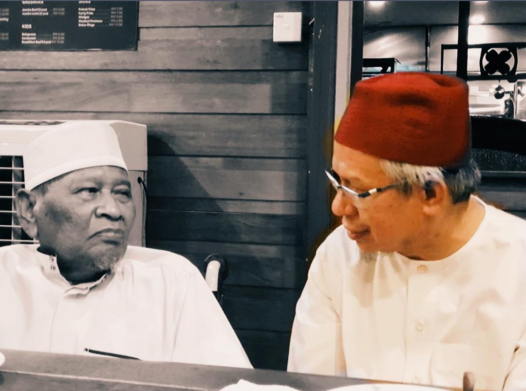 Ustaz Ismail Kamus meninggal dunia