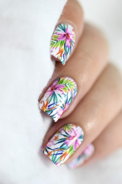 SUMMER NAIL IDEAS